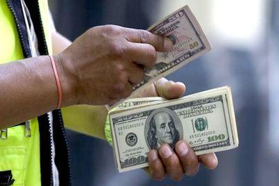 """El dólar sin """"descanso"""" ya arribó a los G. 6.200"""