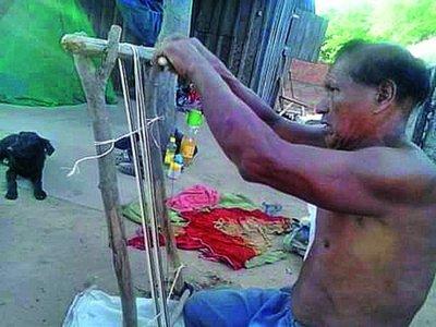 Pamoi,  silla sin silla, que pertenece a la cultura Ayoreo Totobiegosode