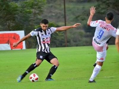 Deportivo Santaní gana pero perdió a su técnico