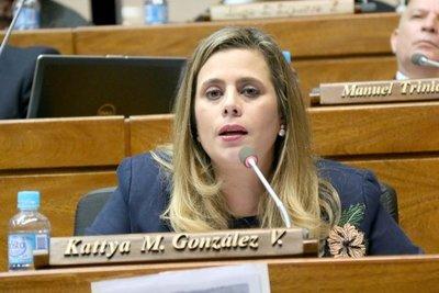 Desbloqueo de listas: Proyecto de Payo es inviable, asegura Kattya González