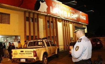 Critican que 400 policías custodien supermercados mientras descuidan a la gente