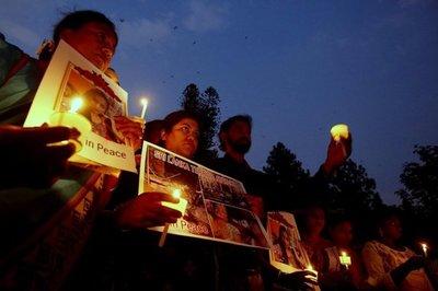 Sri Lanka cuenta a sus muertos tras los atentados del domingo