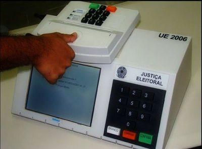 """""""El voto electrónico no es tan seguro como se cree"""", señala experto"""