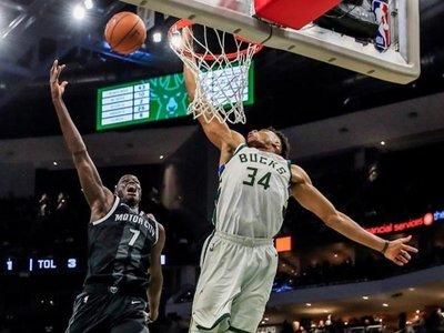 Bucks, imparables a semifinales