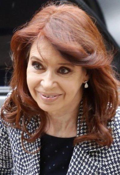 Cristina Kirchner medita en un libro sobre su vida y la historia