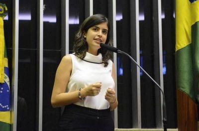 """La joven y """"periférica"""" Tabata Amaral, promesa del centroizquierda en Brasil"""