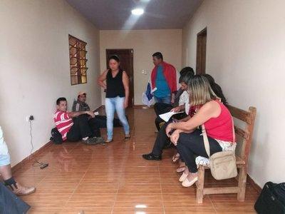 Fiscalía ordena detención de dos concejales por manifestarse en la institución