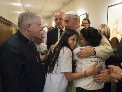 Internan en cuidados intensivos al padre Aldo Trento