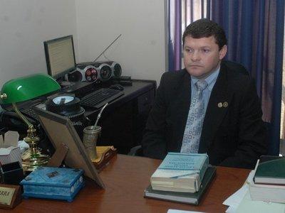Condenan a ex fiscal por coima, pero no irá preso
