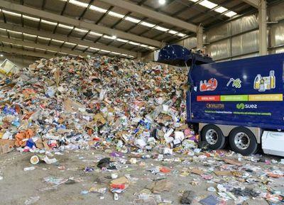 Cierre de vertederos provoca caos en reciclaje mundial