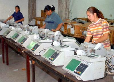 No recomiendan uso de urnas electrónicas