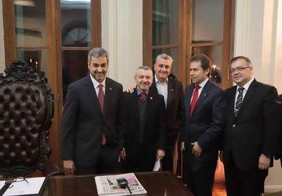 Mario Abdo se inclinaría por la remoción del Contralor Enrique García