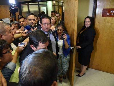 Juicio al contralor: Senado admite pruebas y se presentan alegatos finales
