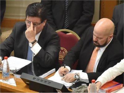 Con apoyo de Añetete, habría votos para destituir a Enrique García