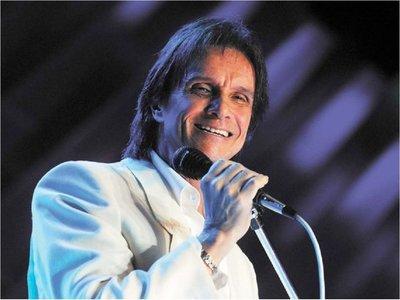 Plantean declarar visitante ilustre al cantante Roberto Carlos