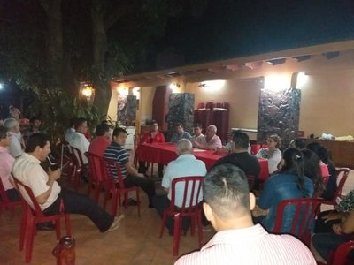 Paraguarí: Dirigentes de Añeteté retiran confianza a Cuevas