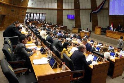 Diputados aprobaron prohibir que Informconf sea vinculante para empleo
