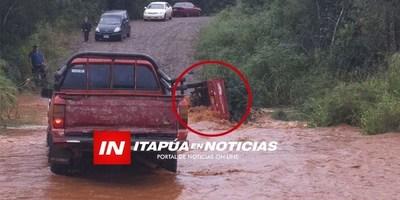 TRP: DOS PERSONAS DESAPARECEN TRAS SER ARRASTRADAS POR DESBORDE DE ARROYO.