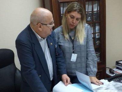 Fiscalía incauta documentos con supuestas firmas falsas de McLeod