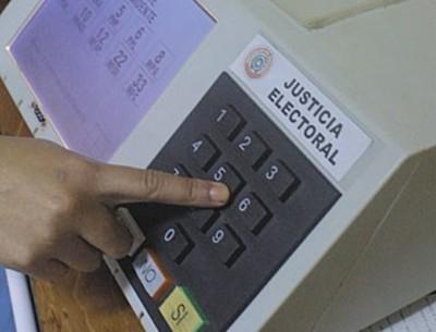Postergan por 15 días estudio de uso de urnas electrónicas