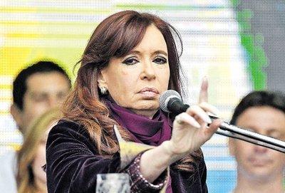 Amplían proceso contra la expresidenta Cristina
