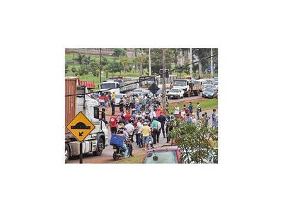 Movilización prodesbloqueo cerró varias rutas en el Este