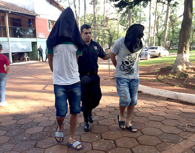 Detienen a presuntos motoasaltantes que intentaron atracar supermercado