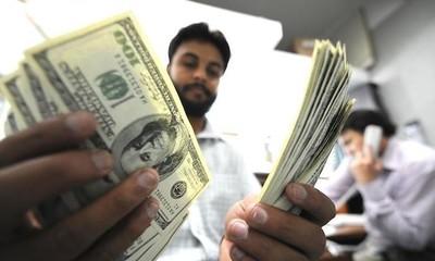 El dólar podría llegara a Gs. 6400 a fin de año