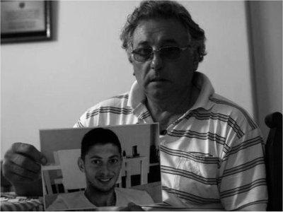"""El papá de Emiliano Sala """"murió de pena y literalmente con el corazón roto"""""""