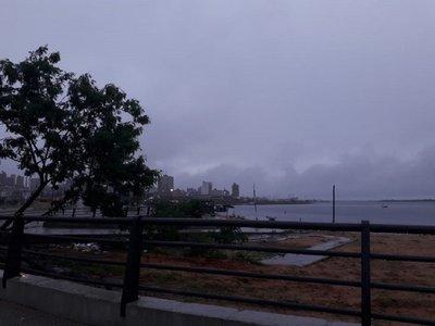 Meteorología anuncia un sábado con lluvias y el ingreso de frente frío