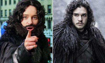 Emilia Clarke salió a las calles disfrazada de Jon Snow, ¡ y nadie se dio cuenta!