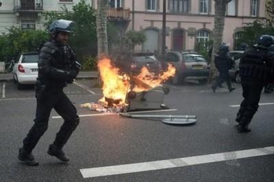 Chalecos amarillos vuelven a la calle en Francia
