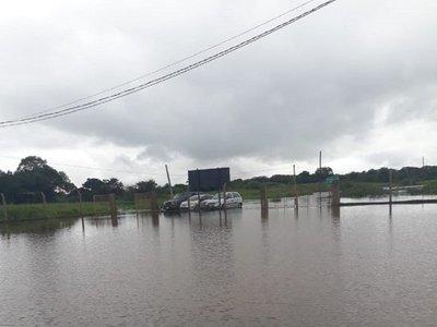 Cruce en balsa para vehiculos entre Pilar y Puerto Cano fue suspendido