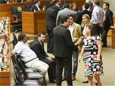 Diputados define hoy si retira acusación a Garay Zuccolillo