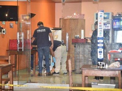 Presunto asaltante muere tras ser apuñalado por dueño de una pizzería