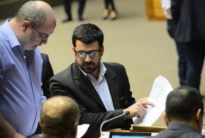 Retirar acusación al ministro Garay sería muy peligroso, asegura diputado Villarejo