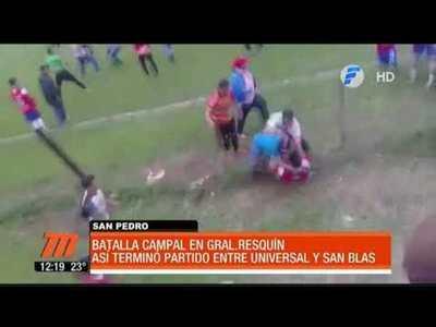 Batalla campal durante un partido de fútbol