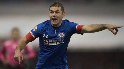 Aguilar llega a cuatro goles en Cruz Azul