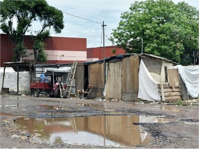 Estadía de familias en refugios de Asunción puede prolongarse
