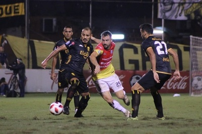 Guaraní y Santaní no logran sacarse ventaja
