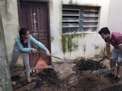 Jóvenes se lanzan al desafío de limpiar barrio San Damián