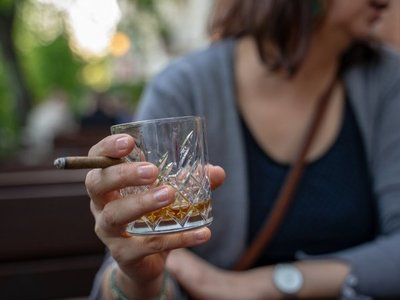 Mazzoleni apoya impuesto al tabaco, alcohol y bebidas azucaradas