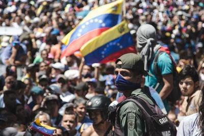 Venezuela: gobierno de Nicolás Maduro dice estar «enfrentando y desactivando» un golpe de Estado