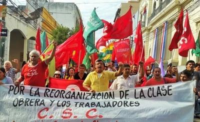 HOY / Marcha del 1 de mayo: que el  sueldo mínimo suba a US$ 476 piden los sindicatos