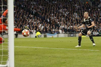 Ajax da un paso a la final de la Champions
