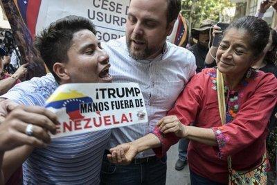 EE.UU. asegura que no formó parte de negociaciones para sacar a Maduro