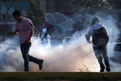 Represión en Venezuela deja al menos 69 heridos