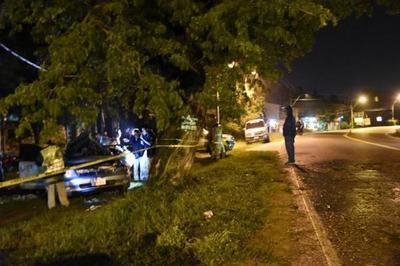 Tres jóvenes mueren tras choque automovilístico