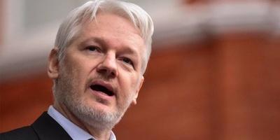Julian Assange fue sentenciado a 50 semanas de cárcel