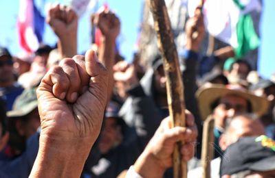 Trabajadores marchan para reclamar derechos